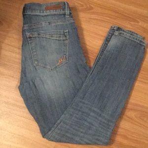 Express Mia Midrise Short Legging Jean!  6 Short
